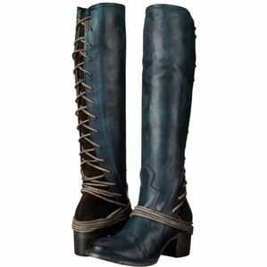 """Freebird Navy leather """"coal"""" boots by Steve Madden"""
